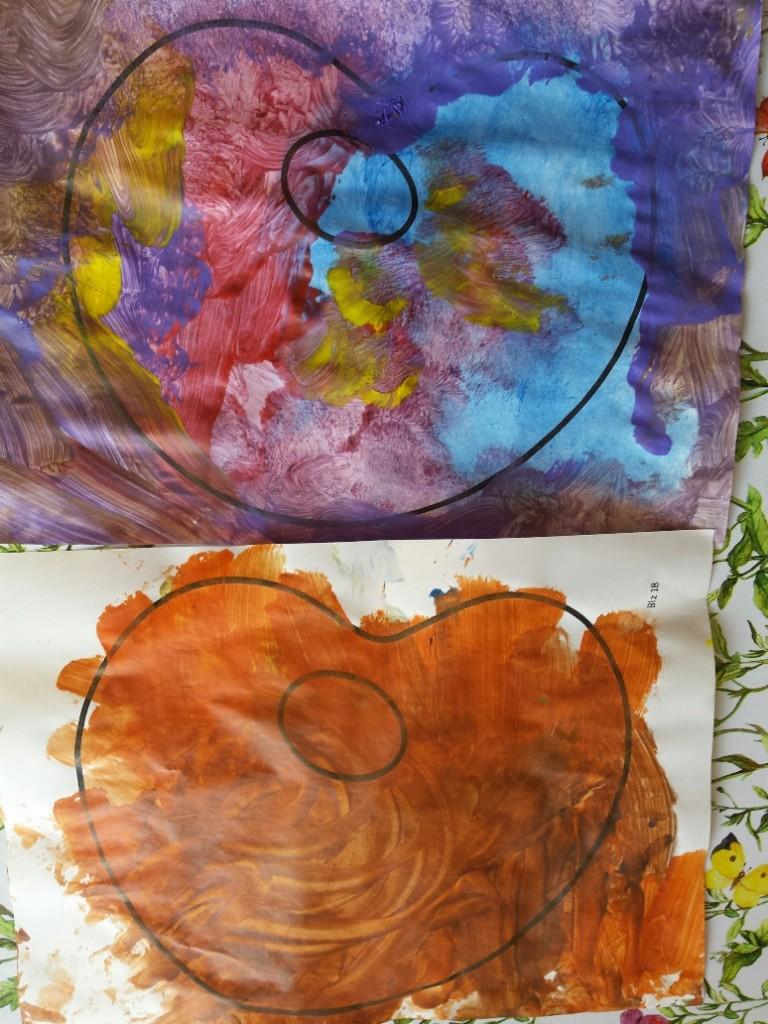 palet schilderen lamineren flesdoppen erop. 3d kunst Fantasie en expressie peuters en kleuters