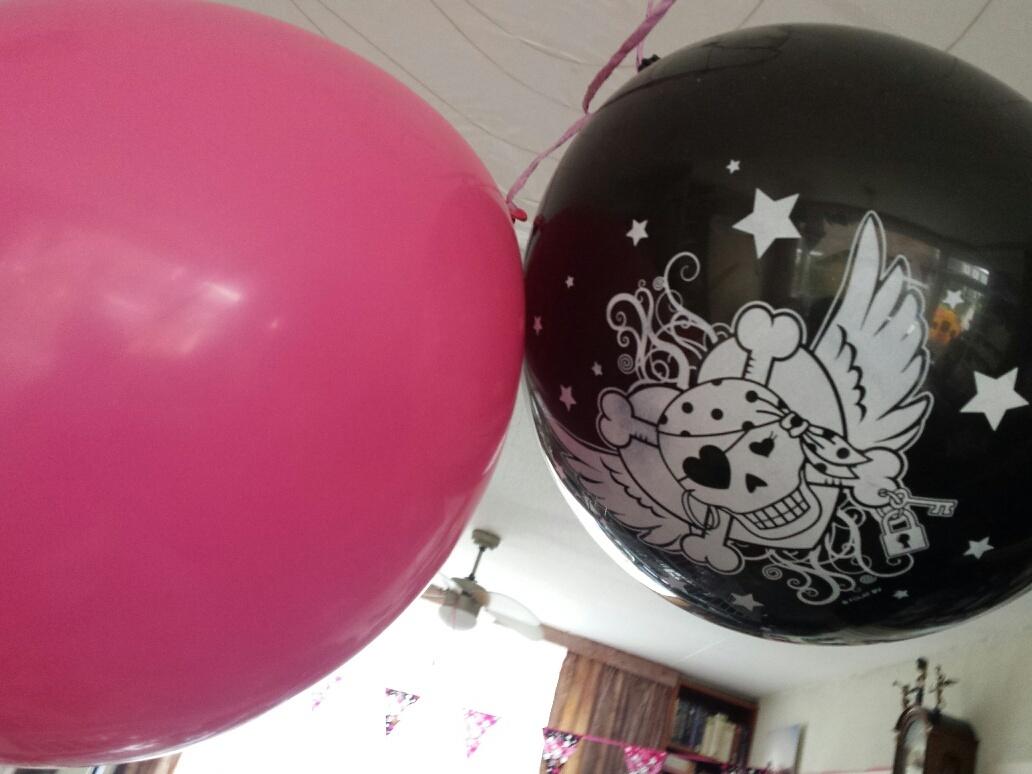 ballonen met doodskop