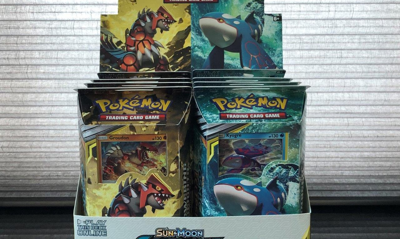 Cosmic Eclipse Pokémon Trading Card Game Sun & Moon