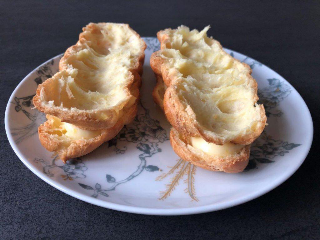 Eclairs met citroenroom en meringue