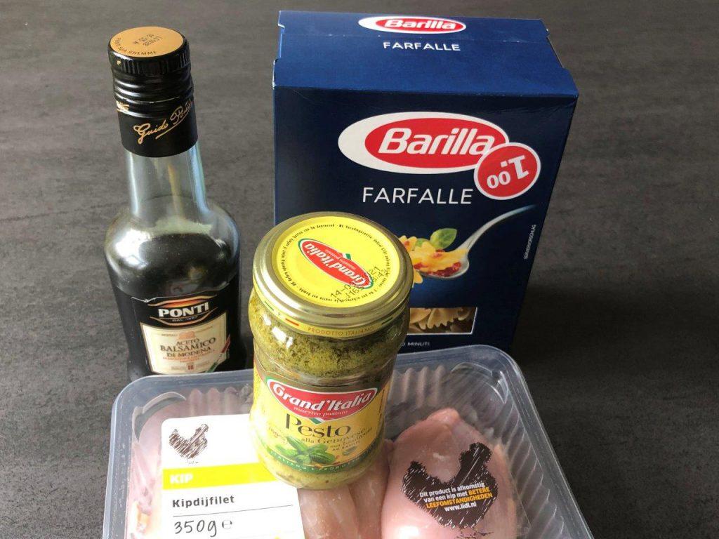 pasta met pesto en kip  ingredienten