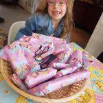 jarig tijdens Corona mand vol cadeautjes