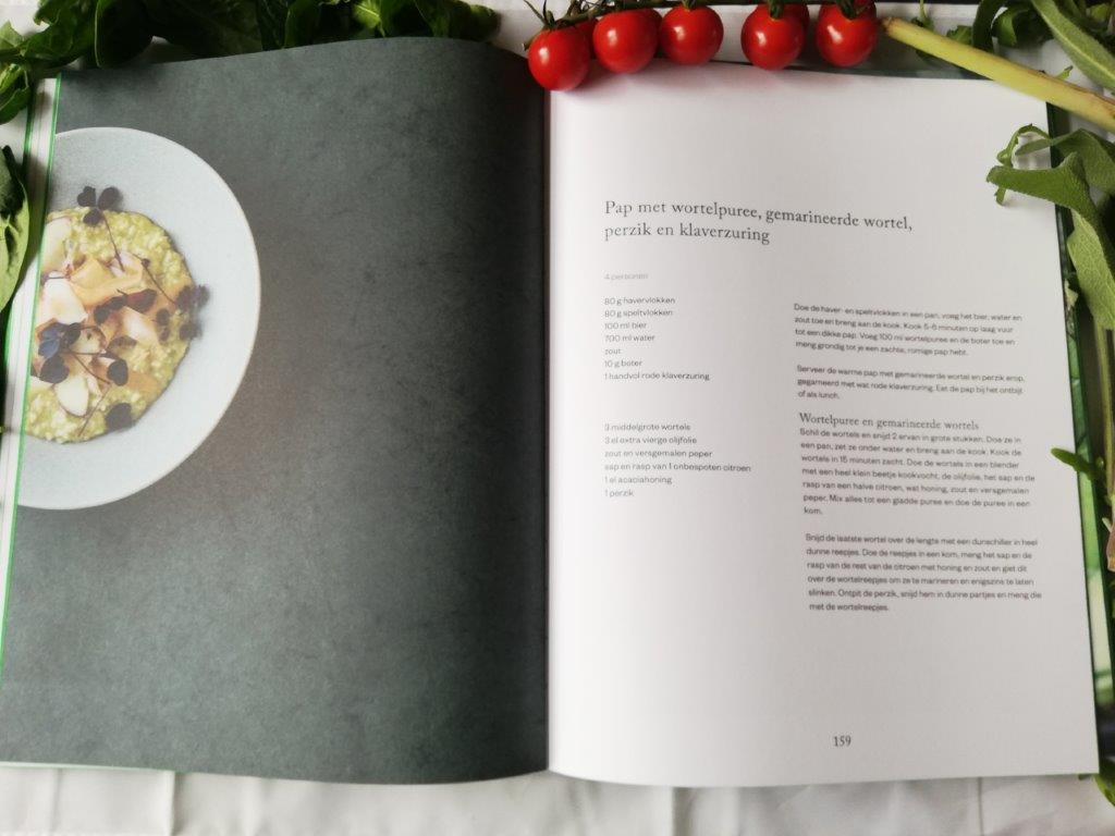 recept van pap met groenten uit Evergreen de Scandinavische groentekeuken bijzonder kookboek van Mikkel Karstad over de liefde van groenten. Een receptenboek met prachtige foto's