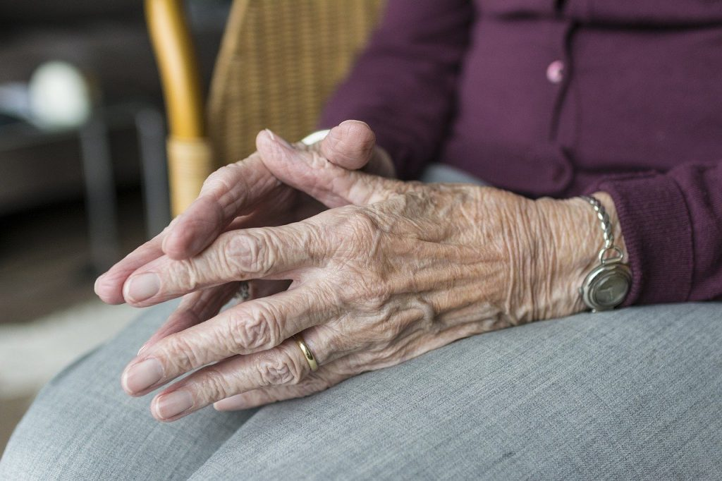 eenzame ouderen door corona virus