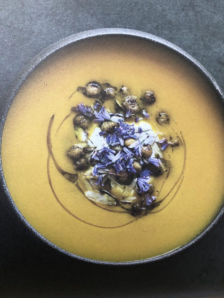 wortelsoep uit kookboek Evergreen gemaakt door Lweethetwel foodblogger bij MamaScrapelle