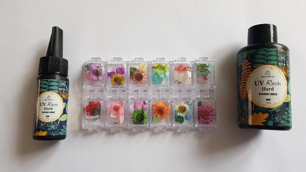 gedroogde bloemen en uv rasin