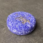 haren wassen met een shampoobar lavendel biologisch afbreekbare shampoo