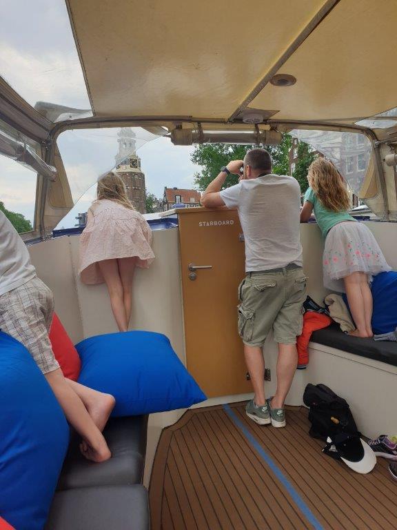genieten aan boord van starboard boats Amsterdam