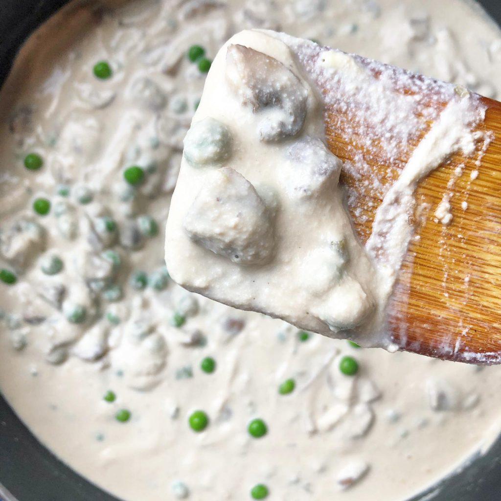 Pasta met gezonde roomsaus en champignons