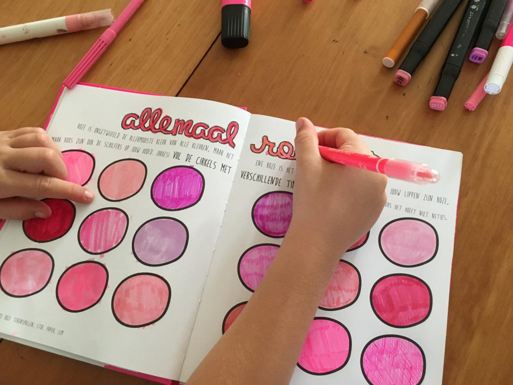 maak dit boek roze