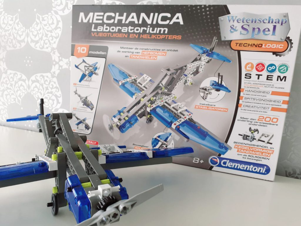 Mechanica Laboratorium vliegtuigen en helikopters