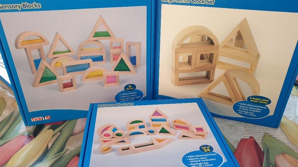 houten regenboogblokken