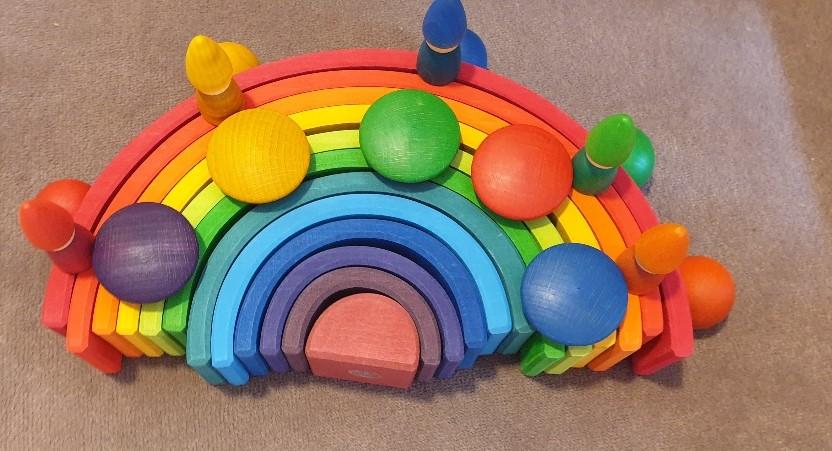 kleurrijk houten speelgoed