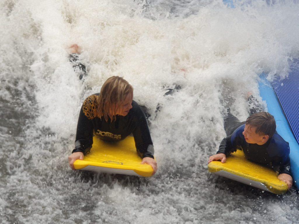 Bodyboarden : een tof uitje met stoere tieners