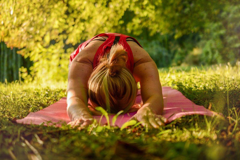 Voordelen van yoga Afbeelding van Sofie Zbořilová via Pixabay
